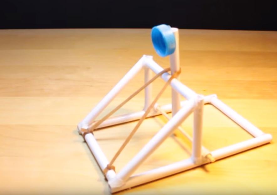 como-hacer-una-catapulta-casera-de-papel